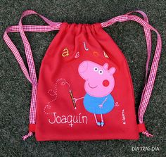mochila Peppa Pig Mochila Peppa Pig, Peppa Pig Bag, Peppa Pig Outfit, Sewing For Kids, Baby Sewing, Pippa Pig, Sewing Tutorials, Sewing Projects, Pig Party