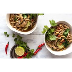 Looking for quick and easy? Learn how to make chicken chow mein here. Chicken Chow Mein, Cooking Courses, Cooking School, Pasta Recipes, Asian, Easy Dinners, Ethnic Recipes, Food, Gift