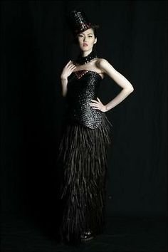 Design by Maori fibre artist, Shona Tawhiao, who creates clothing from dyed and enameled flax