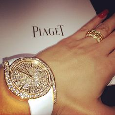 #Limelight Gala watch in rose #gold set with 62 brilliant-cut #diamonds Piaget 690P quartz #movement. Piaget Possession classic chain motif #ring in gold, set with 184 brilliant-cut diamonds. More information: http://www.piaget.com/jewelry/yellow-gold-diamond-ring-g34pu600.