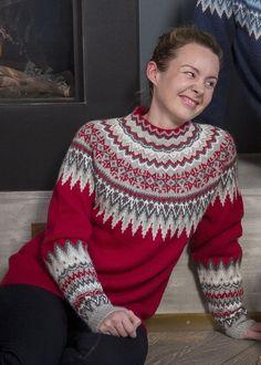 no - sonja genser rød dame Knitting Paterns, Knitting Stitches, Knit Patterns, Clothing Patterns, Crochet Round, Knit Crochet, Norwegian Knitting, Icelandic Sweaters, Knit Art