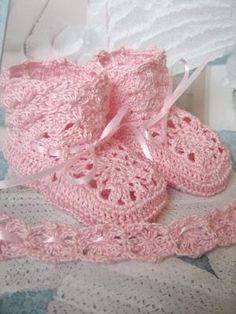.crochet booties