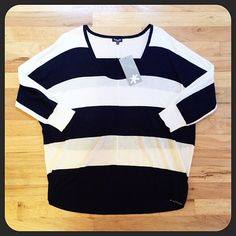 SPLENDID - Navy Blue White Stripe Pullover Sweater Splendid Navy Blue and White Striped pullover sweater. Brand new with tags. Slight hi-low cut. Sleeves are bat wing style. Very light material, perfect for layering. Bundles welcome! Splendid Sweaters Crew & Scoop Necks