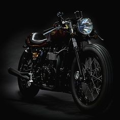Triumph Cafe Racer | Bonneville | Cherry Red | Deus