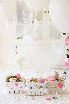 Hot Air Balloon Easter Baskets - the cutest idea for little treats! Great sewing tutorial!