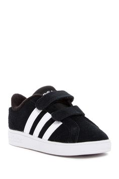 Classic adidas Baseline CMF Sneaker for baby + toddlers