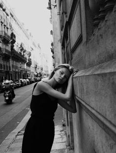 "Magdalena Frackowiak in ""Last Days in Paris"" by Daniella Rech, 23 settembre 2012 Street Photography, Portrait Photography, Fashion Photography, Édito Vogue, Photo Mannequin, Shotting Photo, Perfect Day, Perfect Place, Street Portrait"