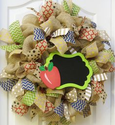 Be the teachers pet when you gift this stylish teachers wreath! Perfect for a classroom door wreath and makes an A+ class gift. The chalkboard is