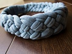 a braided headband that uses the t-shirt yarn tutorial included at the site