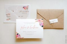 Convite delicado e romântico, com toques cheios de amor em aquarela.    O conjunto é: convite + envelope + tag com nome do convidado + fitinha (mapa não acompanha).    - tamanho: 22 x 16 cm  - tamanho tag com nome do convidado: 7x3 cm  - papel convite: concetto bianco (branco) ou naturale (off-wh...
