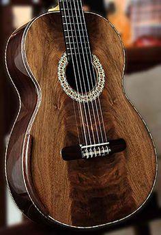 Bellucci guitar, www.mangore.com