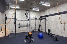 La salle de gym en 52 idées ! Pourquoi ne pas vous aménager votre propre salle de gym maison ?Vélo, stepper, tapis... Tout comme les pros !