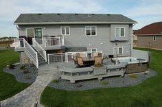 Built in spa Backyard Plan, Backyard Patio Designs, Patio Ideas, Backyard Ideas, Cool Deck, House Landscape, Outside Living, Dream Home Design, Modern House Plans