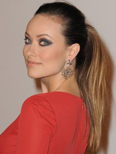 HAIR STYLE FOR GROWING OUT BANGS!Slicked Back With the right amount of hairspray, you can always slick 'em back into a ponytail like Olivia Wilde. Olivia Wilde, Kirsten Dunst, Jennifer Morrison, Kate Beckinsale, Blake Lively, Ponytail Hairstyles, Hairstyles With Bangs, Jennifer Aniston, Kim Kardashian