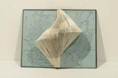 Booksculpture www.bibliotheeklangedijk.nl