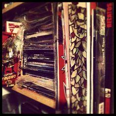 Libreria comic, ¡Os lo dejamos! ¿Cuál queréis?    http://www.instagram.com/ilustreando