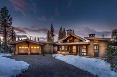 Mountain modern ski retreat with breathtaking views in Lake Tahoe