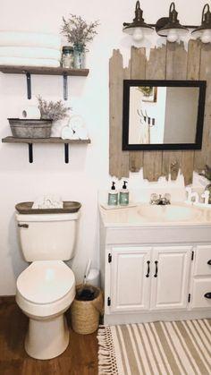 Rustic Bathroom Designs, Rustic Bathroom Decor, Bathroom Interior Design, Decoration For Bathroom, Farm House Bathroom Decor, Decorating A Bathroom, Home Decorating, Small Rustic Bathrooms, Bathrooms Decor