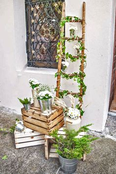 How To Use Wooden Crates Wedding Ideas At Rustic Weddings ❤ See more: www. How To Use Wooden Crates Wedding Ideas At Rustic Weddings ❤ See more: www. Wedding Trends, Diy Wedding, Wedding Ideas, Green Wedding, 2017 Wedding, Wedding Planning, Wooden Crates Wedding, Wooden Crates Garden, Wooden Ladders