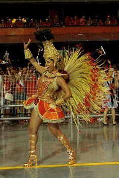 As fantasias dos famosos que se destacam no carnaval 2014