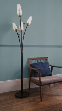 I m selling my 60's floor lamp in Paris here at le boin coin sigh!    http://www.leboncoin.fr/decoration/458357430.htm