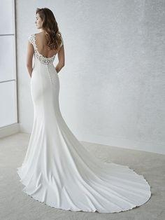 Back of Fiana wedding dress by White One Bridal from Pronovias www.zadikabridal.ie