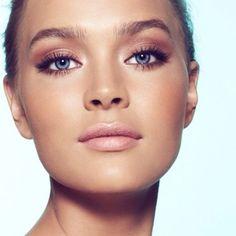 Este maquillaje es ideal tanto para un día como una noche de verano
