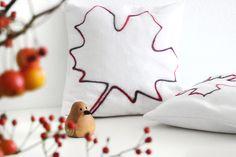 Herbstliches Kissen mit Blatt,  gefilzt