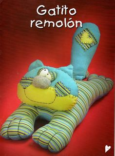 Cat pillow tutorial- could you make it smaller for a pincushion? Sewing Toys, Sewing Crafts, Sewing Projects, Fabric Toys, Fabric Crafts, Cat Fabric, Paper Toys, Softies, Cat Pillow