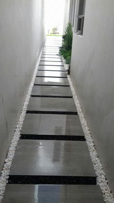 31 seriously jaw dropping urban gardens paths ideas 19 – 31 seriously jaw dropp… – Famous Last Words Modern Backyard Design, Backyard Garden Design, Backyard Patio, Modern Patio, Side Yard Landscaping, Modern Landscaping, Garden Paving, Garden Paths, Paving Design