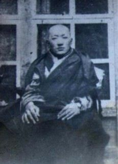 Garwang Lerab Lingpa was the Third Gemang of Dzogchen Monastery. He was known as a skilled medical practitioner. He died in prison in Dartsedo in 1959 at the age of twenty-nine.