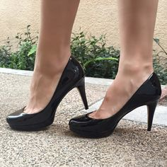✨Authentic VINCE CAMUTO Patent Pump! ❤️ These Vince Camuto Zella shoes will stylishly occupy the spot in your closet that you have been yearning to fill. This pump features a 3.7 inch heel and .7 inch platform for a supreme leg lengthening effect while showcasing a round toe.  Patent Leather Leather and Rubber sole Solid pattern ️Size 5.5!!  WORN ONCE AMAZING  CONDITION!!!! Get them now! Perfect for the holidays! Vince Camuto Shoes Heels
