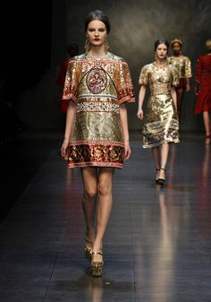 WOW - fit for a princess! Dolce & Gabbana Woman Runway Show -Fall Winter 2014