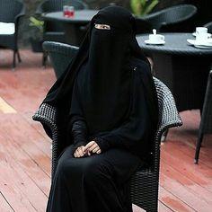Hijrah itu memang sulit. Tapi kau akan melalui segalanya bersama Allah. .  #Lensa #Muslimah Dari Sudut Yang Indah .  Like  Share and Tag 5 Sahabat Muslimahmu .  Follow  @MuslimahIndonesiaID  Follow  @MuslimahIndonesiaID  Follow  @MuslimahIndonesiaID  . Join Us @MuslimahIndonesiaID   Karena Muslimah #Sholehah Itu Istimewa by @astridfebrianaa_  #duniajilbab #wanitasaleha #beraniberhijrah #tausiyahcinta #sahabattaat #sahabatmuslimah #Hijab #Jilbab #Khimar #KaumHawa #MuslimahTraveller…