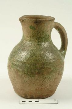 A1440: jug Production date: Medieval; late 12th-mid 14th century Measurements: H 245 mm; DM (rim) 107 mm