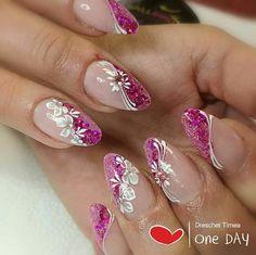 ideas nails Source by isteidle Romantic Nails, Elegant Nails, Purple Nail Art, Pink Nails, My Nails, Fancy Nails, Cute Nails, Acrylic Nail Designs, Nail Art Designs