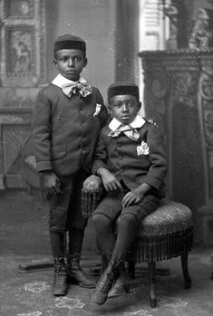SOUL CULTURE KIDS: early 20th century African American brothers.