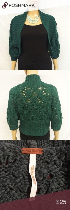 Free People Cacoon Sweater Pretty cacoon style knit sweater shrug in a forest green color from Free People. In great preowned condition. Smoke and pet free home. True to size. Free People Sweaters Shrugs & Ponchos