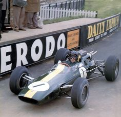 Silverstone 50 years ago ! Jim Clark, Lotus 25 Climax .Silverstone ,1964.