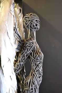 Richard Stainthorp wire sculpture.