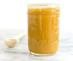 Cette vinaigrette très goûteuse (j'aime particulièrement le mélange miel et moutarde) est parfaite pour toutes vos salades
