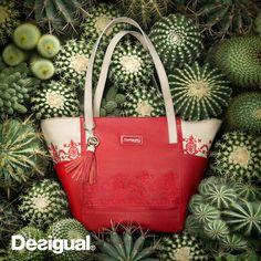 @desigual Muy linda! Me encantan los toques mexicanos. #mexicandesigual #accesories #accesorios #handbags #style #photooftheday #red