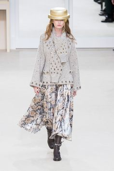 Karl Lagerfeld Puts the Emphasis on Wearability For Chanel Autumn/Winter '16
