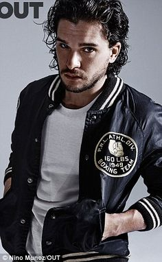 Game of Thrones' star Kit Harington lands the summer 2015 cover story from OUT Magazine, posing in a photo shoot captured by Nino Muñoz with styling by Grant… Kit Harington, Jon Snow, Game Of Thrones, Jon Schnee, Gorgeous Men, Beautiful People, Beautiful Boys, Gorgeous Hair, Beige T Shirts