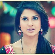 كومود Saris, Jennifer Winget Beyhadh, Senior Girl Poses, Jennifer Love, Celebs, Celebrities, Beauty Queens, Indian Actresses, Cool Hairstyles