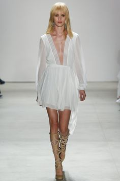Rebecca Minkoff Spring 2016 Ready-to-Wear Collection Photos - Vogue INSPO: ivory vs black, mod, bohemian
