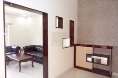 Foyer Unit with Door Paneling, wall paper