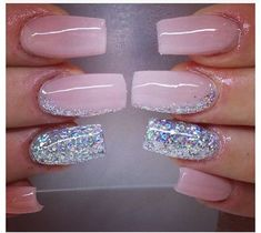 manicure rosa pastel con glitter