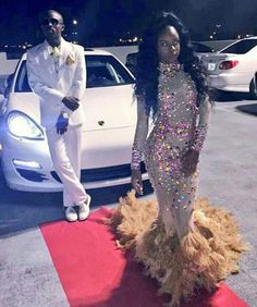 ➶pinterest: @badgalronnie➴ Prom Girl Dresses, Prom Dresses Long With Sleeves, Prom Outfits, Homecoming Dresses, Prom Tux, Dinner Gowns, Prom Goals, Prom Couples, Black Prom