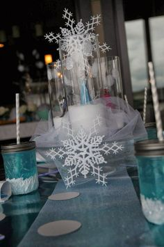 Snowflake decorations at a FROZEN Birthday Party! See more party ideas at… Frozen Birthday Party Games, Disney Frozen Birthday, Frozen Theme Party, 3rd Birthday Parties, Birthday Ideas, Rosalie, Winter Wonderland Party, Party Centerpieces, Centerpiece Ideas